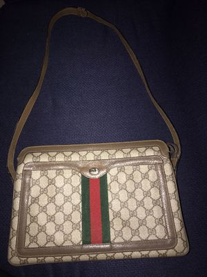 Authentic Gucci Accessory Collection Vintage shoulder bag for Sale in Dinuba, CA