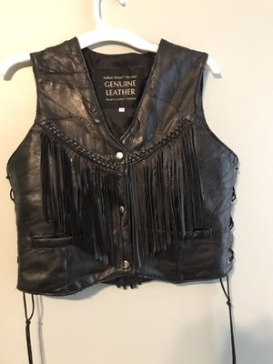 Black Leather Fringed Vest for Sale in Fuquay-Varina, NC