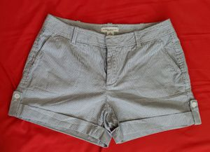 Women's Striped Martin fit Size 8 shorts for Sale in San Diego, CA