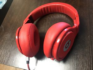 Beats Pro Headphones ONLY $99 (reg. $399) GREAT CONDITION *Lightly Used* for Sale in San Fernando, CA