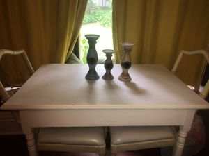 Table and 2 Chairs for Sale in Charles City, IA
