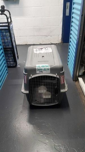 Intermediate Dog Crate Pet Mate Sky Kennel for Sale in Brooklyn, NY