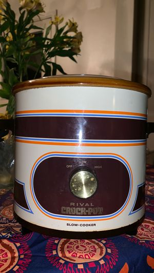 WORKS 3qt Crock pot rival slow cooker vintage 1971 for Sale in Seattle, WA