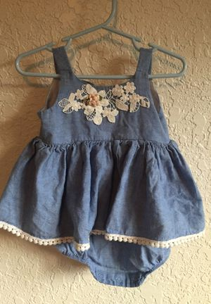12m Pretty denim dress with lace accents for Sale in Everett, WA