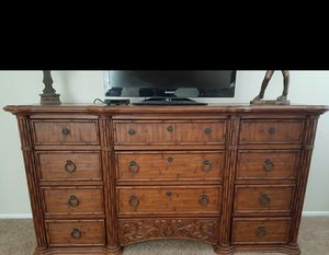 TOMMY BAHAMA CALIFORNIA KING SIZE BEDROOM SET for Sale in Las Vegas, NV