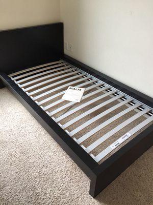 Nice twin bed for Sale in Ridgefield, WA