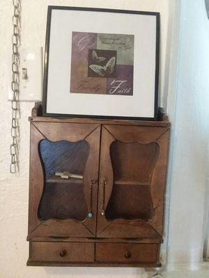 Small shelf for Sale in Bakersfield, CA