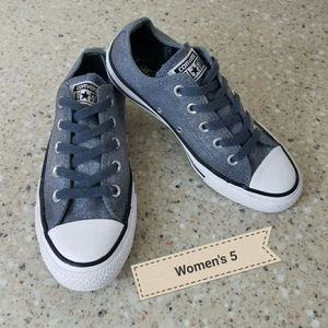 Converse All Star Women's 5 for Sale in Moreno Valley, CA