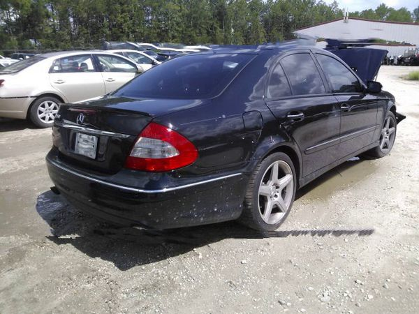 Mercedes E350, W211, 2009. For parts only