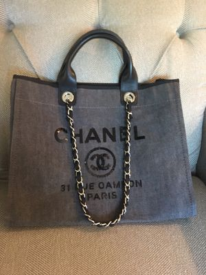 Chanel Tote Shoulder Bag Purse Handbag for Sale in Alexandria, OH