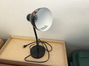 Table, work light fixture,$3.00 for Sale in Heber, AZ