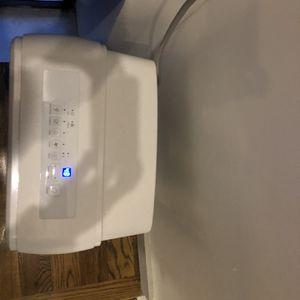 INSIGNIA 50-Pint Portable Dehumidifier for Sale in Brooklyn, NY