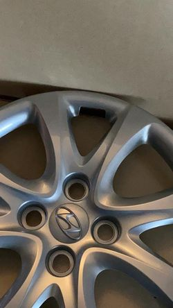 2012-2014 Hyundai Accent Wheel Cover 52960-1R000 (Set of two) for Sale in Seattle,  WA