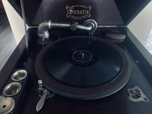 1919 Sonora phonograph for Sale in Palatine, IL