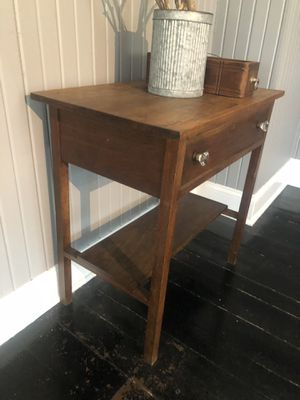 Antique table for Sale in Columbus, OH