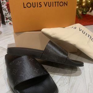 Louis Vuitton Waterfront Mule for Sale in Houston, TX