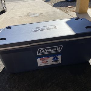XL Coleman Cooler 150qt for Sale in Phoenix, AZ