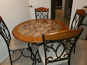 Dining room table set for Sale in Queens, NY