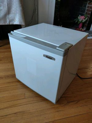 Haier Mini Fridge for Sale in Queens, NY