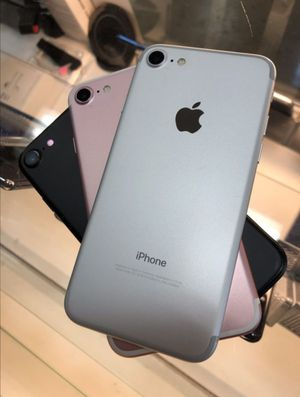iPHONE 7 32gb unlocked like new for Sale in Cary, NC