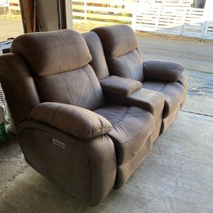 Taupe Power Reclining Loveseat for Sale in Everett, WA