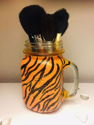 TIGER MAKEUP BRUSH CUP for Sale in Fresno, CA