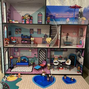 LOL Doll House for Sale in Lutherville-Timonium, MD