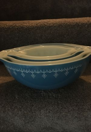 Vintage Pyrex mixing bowls for Sale in Clinton Township, MI
