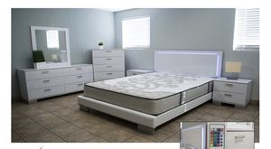 Queen LED bedroom set for Sale in Hialeah, FL