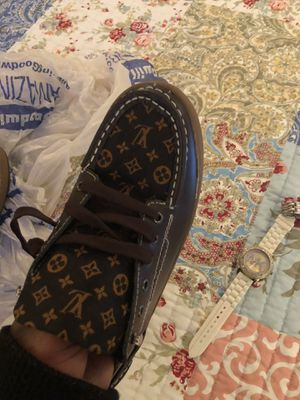 Brown Louis Vuitton men's shoes for Sale in Milwaukee, WI