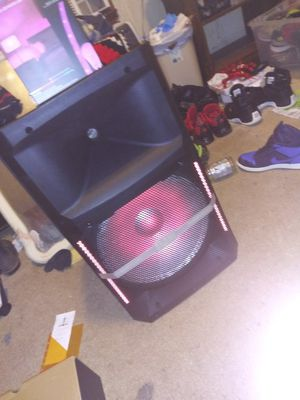 Edison professional audio Bluetooth speaker st-6000 for Sale in Atlanta, GA