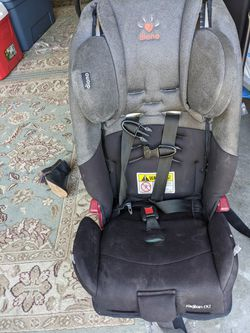 Diono Radian rXT Convertible Car seat for Sale in Everett, WA