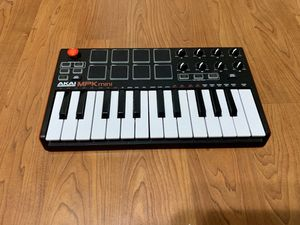 Akai Professional MPK Mini MKII – 25 Key USB MIDI Keyboard for Sale in Norman, OK