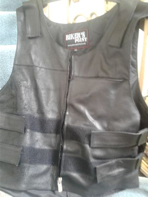 Motorcycle Heavy Leather Vest 3XL FRONT LINER IN POCKET CAN BE RESEWN BUT NOT NECESARRY!!! for Sale in Baltimore, MD