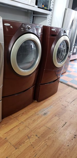 WHIRLPOOL DUET STEAM FRONT LOAD WASHER AND GAS DRYER SET for Sale in Moreno Valley, CA