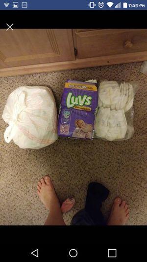 70 ct newborn diapers luvs and target brand for Sale in Warren, MI