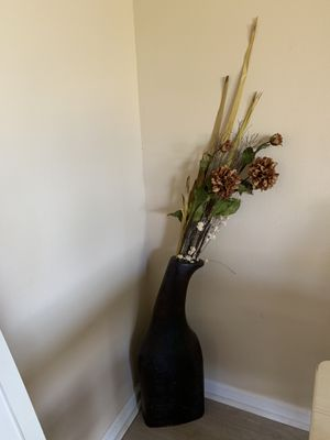 Vase and flowers for Sale in Orlando, FL