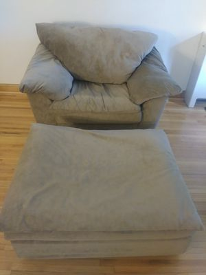 Oversized chair with ottoman for Sale in Burnsville, MN