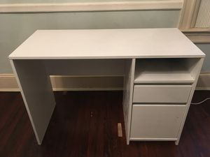 White Repainted Target Desk for Sale in Washington, DC