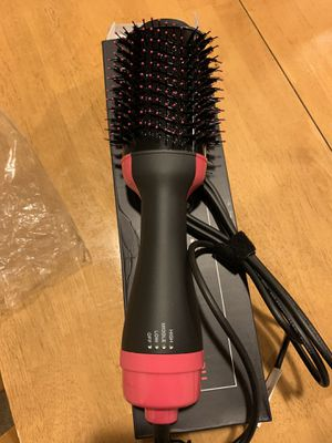 Hair Dryer Brush, 3 IN 1 Hot Air Brush with Straightening, Curling, Fast Drying, LED Indicator, 3 Settings, Painless One Step Hair Dryer & Volumizer for Sale in Bloomington, CA