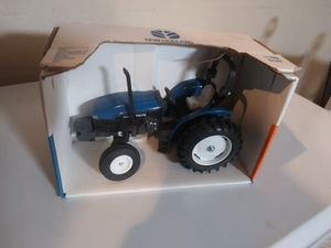 Ertl 1/16 New Holland tractor for Sale in Peoria, AZ