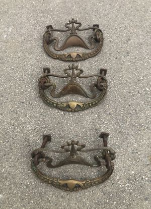 3pcs Retro Crown Drawer Pulls Handles, Antique Cabinet Drop Bail Pulls Handles for Sale in Los Angeles, CA