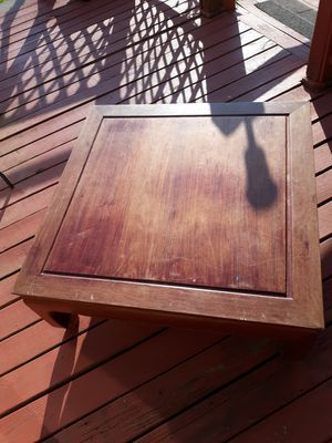 Large coffee table for Sale in Bethpage, TN
