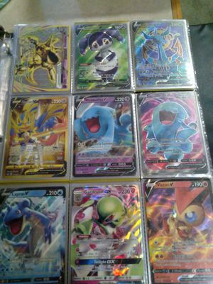 Sword and shield and sun and moon pokemon card collection for Sale in Oak Hills, CA