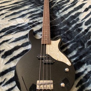 First Act Bass Guitar for Sale in Sacramento, CA