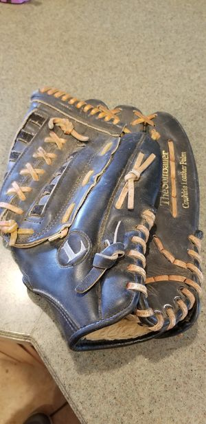 "13.5"" Louisville baseball softball glove broken in for Sale in Norwalk, CA"