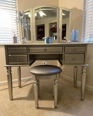 Brand New Vanity Set for Sale in Fresno, CA
