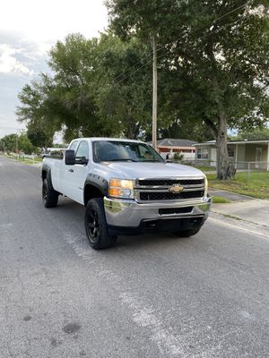 Clean title, Chevrolet Silverado 2500 HD, 2011 for Sale in Tampa, FL