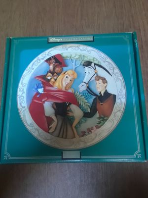 Disney Animated Classics Sleeping Beauty 3D plate for Sale in Cranston, RI