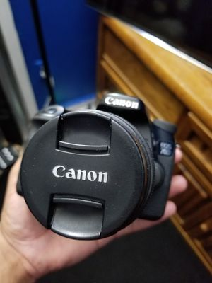 Canon 70D Camera with Bag! for Sale in Fort Washington, MD